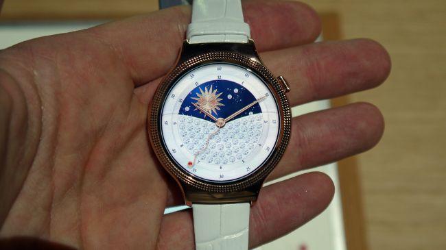 ساعتهای هوشمند هواوی مناسب خانمها