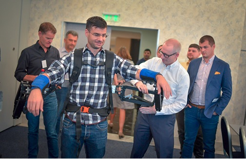 Robo-Mate به یاری کارگران صنعتی میآید + گالری عکس