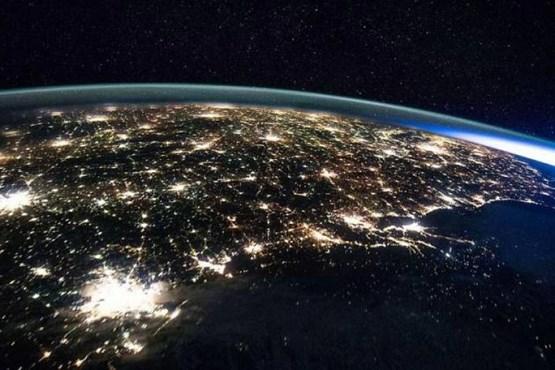 از دید فضانوردان زمین چه شکلی است