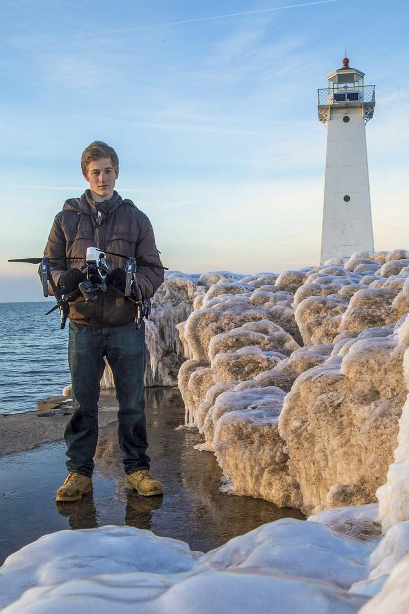دنیای عکاسی با این عکسهای جوان ۲۰ ساله متحول شد + گالری عکس