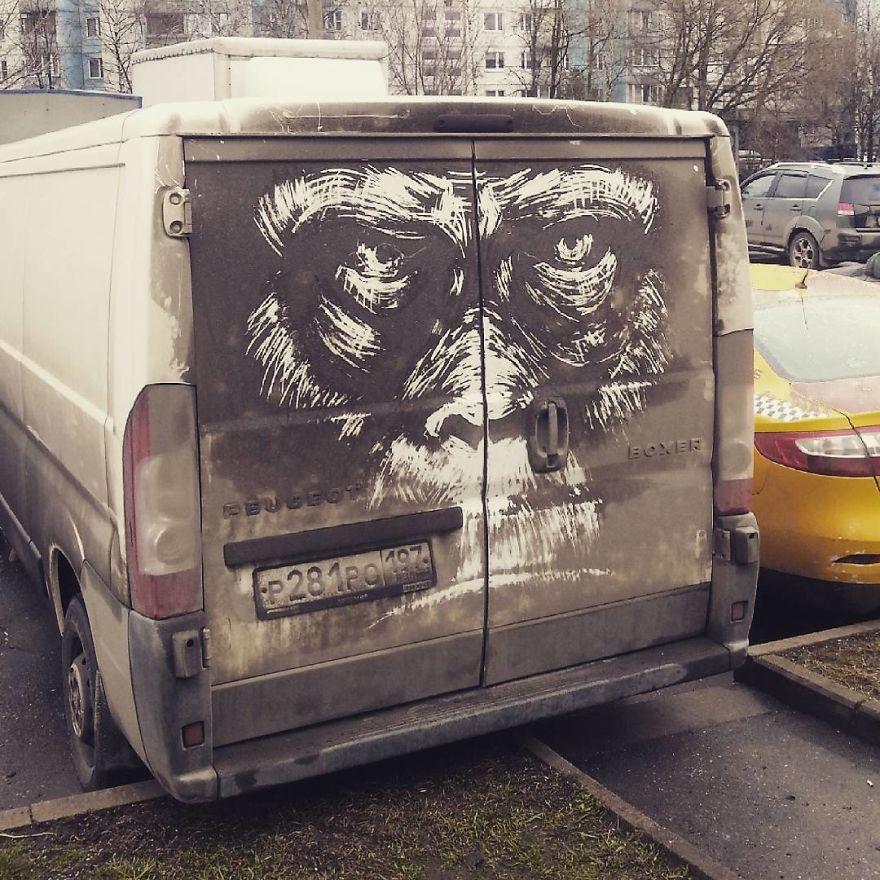 نقاشیهای فوقالعاده روی ماشینهای کثیف