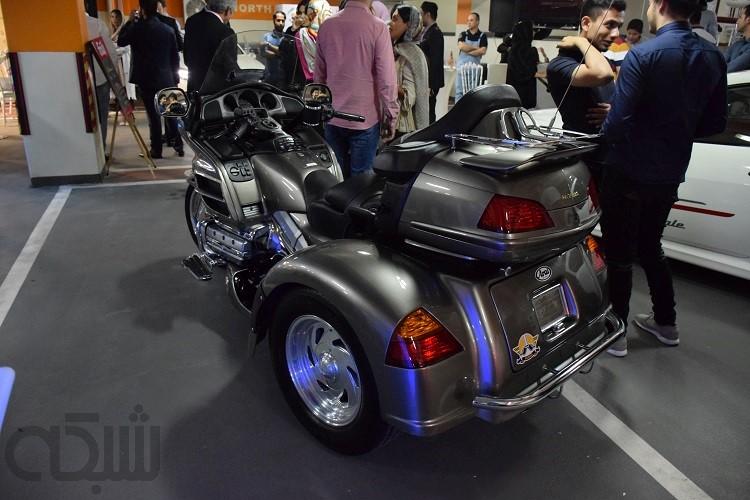 نمایشگاه خودروهای لوکس در مجتمع مدرن الهیه