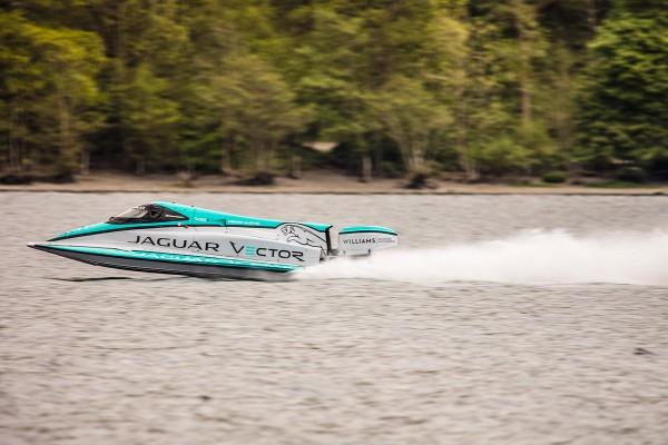 جگوار سریعترین قایق الکتریکی جهان را معرفی کرد + عکس