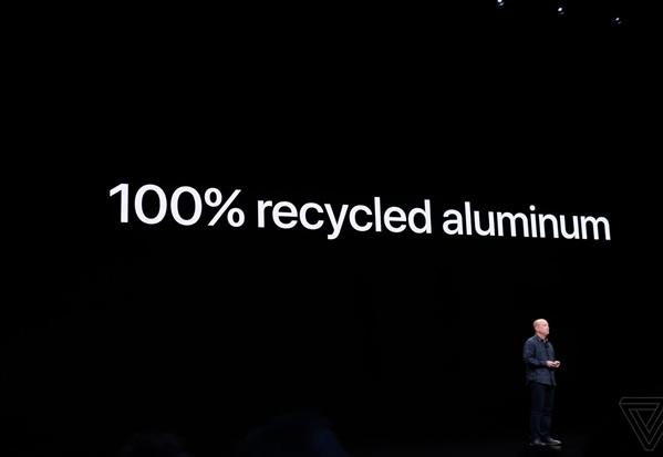 اپل از آیپاد پرو و مکبوکهای جدیدخود رونمایی کرد + گالری عکس