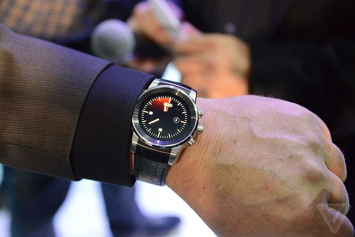ساعت لوکس الجی از آندرويد استفاده نمیکند