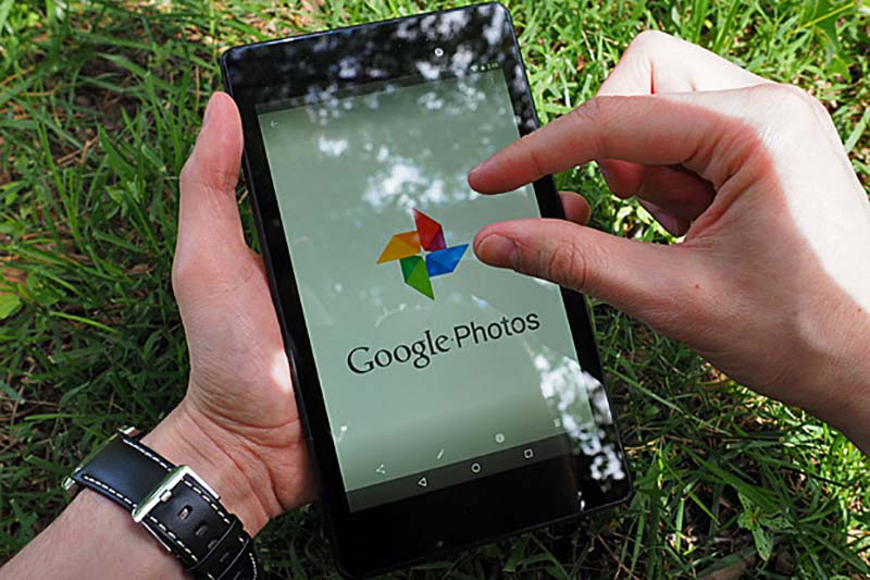 Google Photos شما را به خاطرات خوش گذشته میبرد