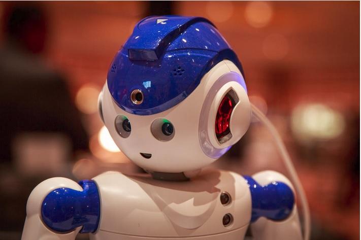 CES 2016: این روبات همه کارهای خانه شما را انجام میدهد + تصویر