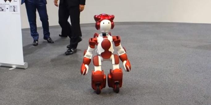 روبات سرویسدهنده هیتاچی در معرض دید عموم قرار گرفت