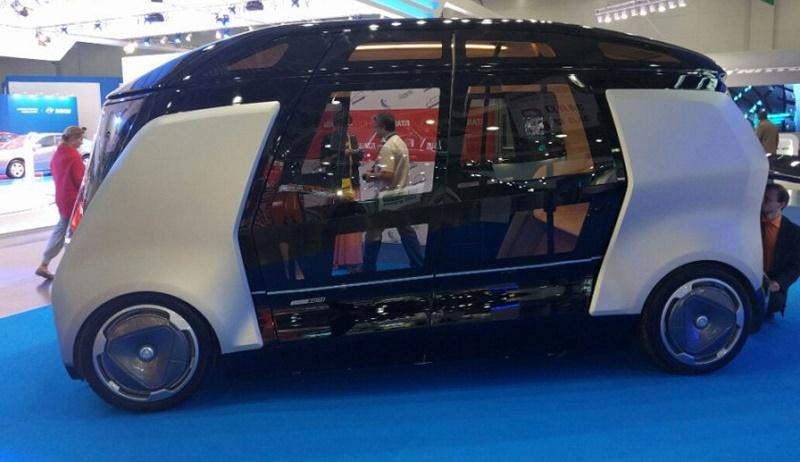 روسیه با یک اتوبوس کوچک مسافربری وارد بازی خودرانها میشود!