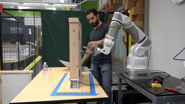 روباتها به یکدیگر مهارتهای جدید را یاد میدهند