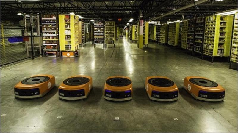 چگونه آمازون بهکمک روباتها زیر یک دقیقه سفارشها را آماده میکند + ویدیو