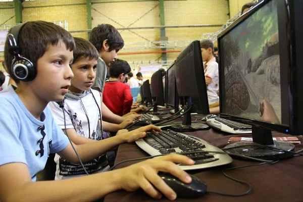 بیش از نیمی از خانوارهای ایرانی به رایانه دسترسی دارند