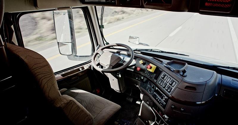 خودروهای خودران برای فرار از ترافیک با وایفای با هم صحبت میکنند