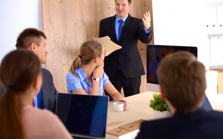 ۵ علامتی که نشان میدهند مدیر شما ضعیف است