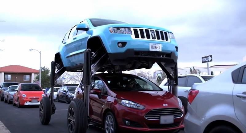 تماشا کنید: خودرویی مخصوص فرار از ترافیکهای سنگین خیابانها