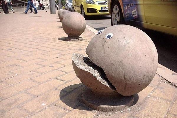 گالری عکس: هنر خیابانی تنها با دو چشم عروسکی