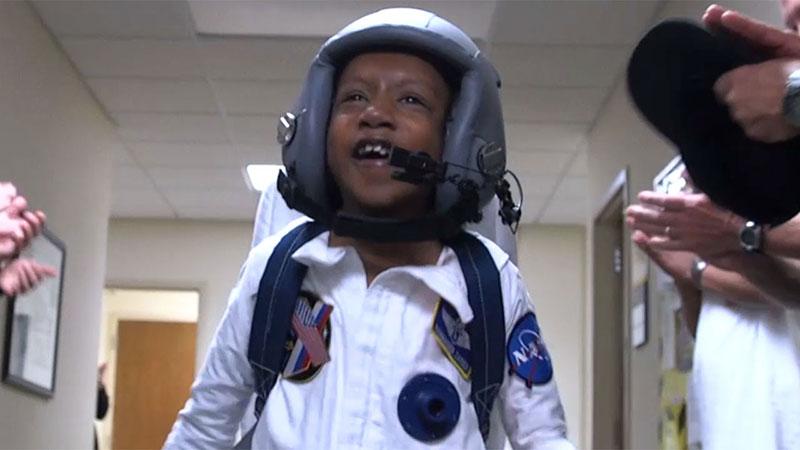 تماشا کنید: تحقق آرزوی کودک بیمار قلبی با واقعیت مجازی