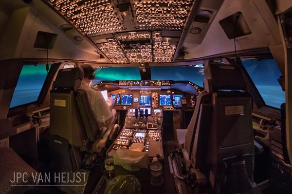گالری عکس: کابین بوئینگ 747 بهترین دفتر کار دنیا