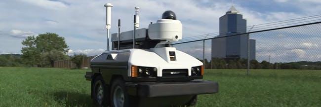 کشاورزان برای محافظت از قلمرو خود از روبات استفاده میکنند.