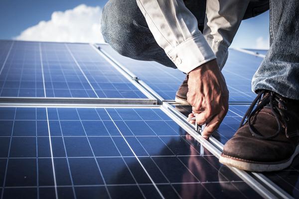 جهان چقدر خرج انرژیهای تجدیدپذیر میکند؟