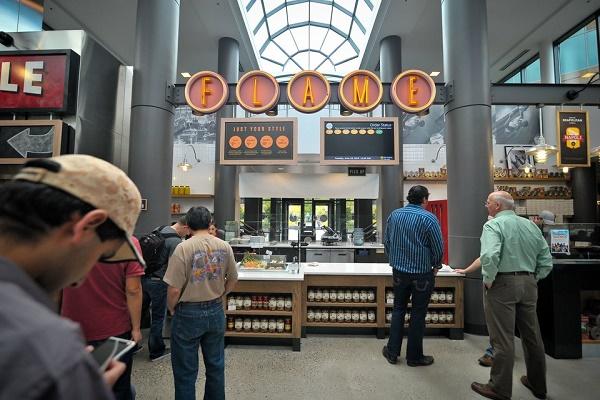 گالری عکس: رستوران مایکروسافت با تنوعی از غذاهای لذیذ و با یک سوم قیمت