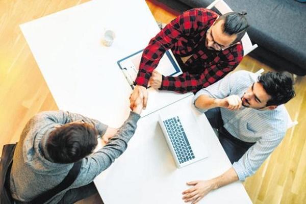 با 10 شغل رایج غیرفنی در شرکتهای فناوری در سال 2018 آشنا شوید