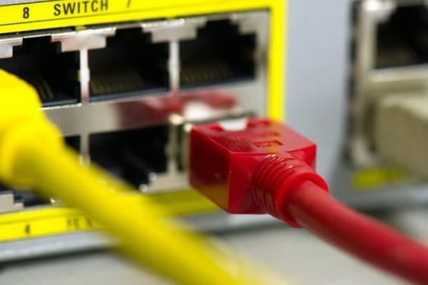 سوییچ LAN چیست و چگونه کار میکند