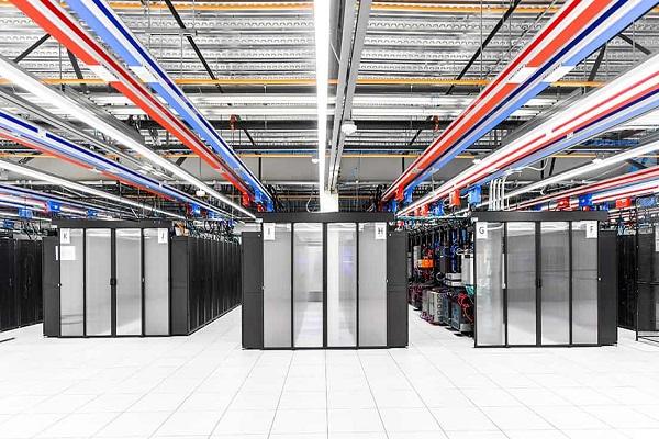 ۱۰ توصیه مهم برای پیادهسازی درست یک مرکز داده موفق
