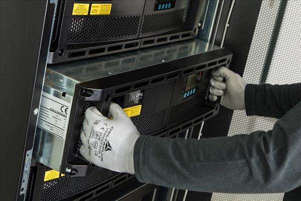 راهنمای انتخاب UPS خوب برای تامین انرژی مراکز داده