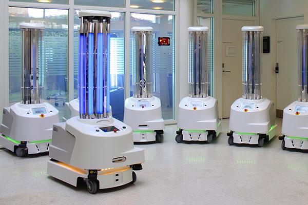 نابود کردن ویروس کرونا با کمک رباتهای ضدعفونیکننده