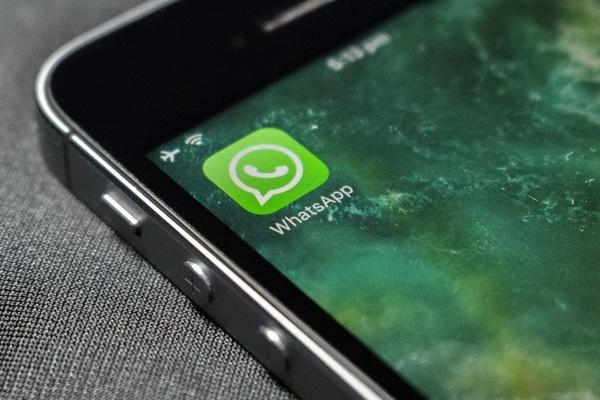 چگونه پیامهای واتساپ را به گوشی آیفون جدید منتقل کنیم