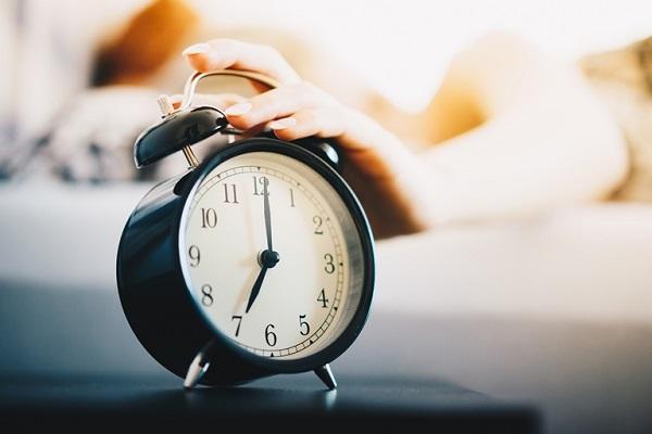 8 کاری که باید بعد از بیدار شدن از خواب انجام دهید