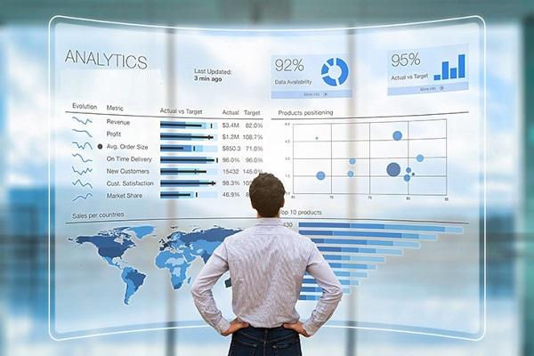 یک تحلیلگر دادهها به چه مهارتهای کاربردی نیاز دارد؟