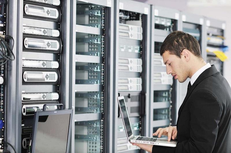 چگونه در مصاحبه استخدام مدیر مرکز داده موفق شویم؟