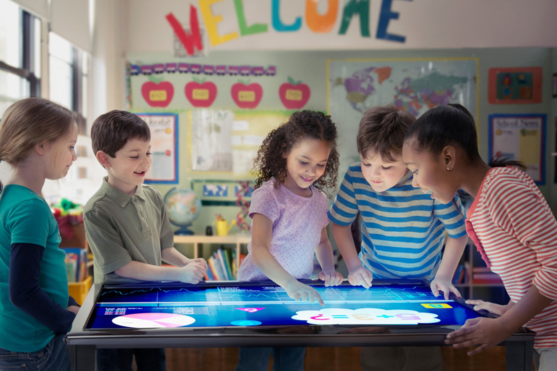 هوشمندسازی مدارس چگونه کیفیت آموزش و یادگیری را بهبود میبخشد؟