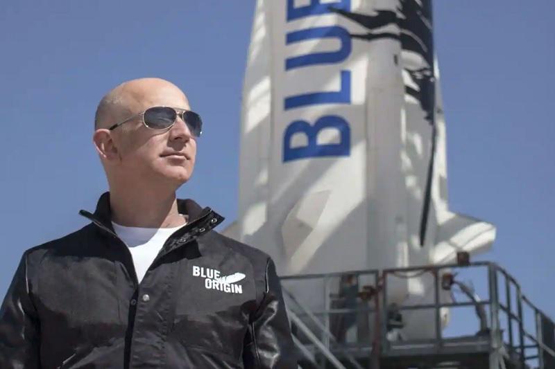 جف بزوس ثروتمندترین فرد جهان در 10 دقیقه به فضا رفت و برگشت
