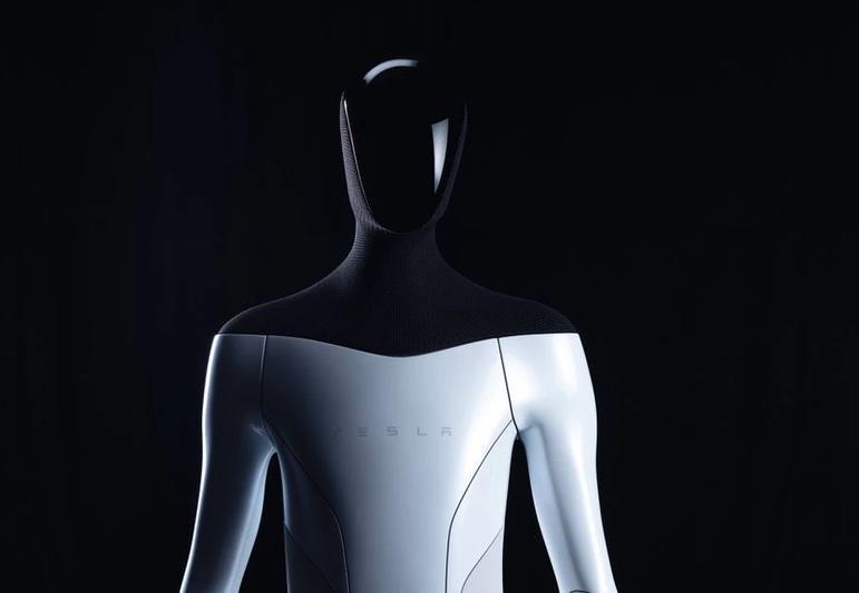 ایلان ماسک، روبات انساننمای تسلا را معرفی کرد