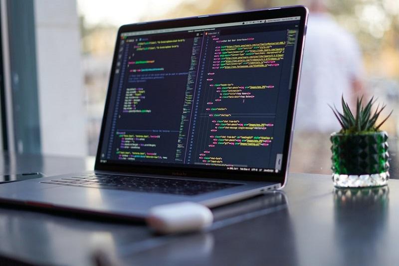 آرایه (Array) در برنامهنویسی چیست و انواع آن کدام است؟