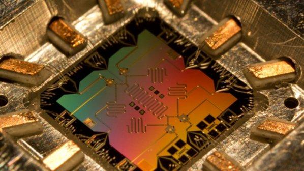 گوگل در پی تراشههای کوانتومی ویژه هوش مصنوعی