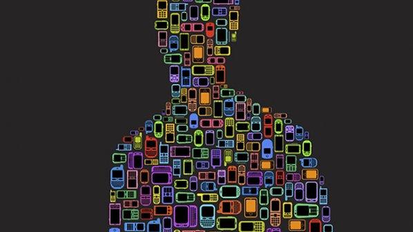 چگونه فناوری موبايل کارکنانی را پرورده است که هرگز دست از کار نمیکشند؟