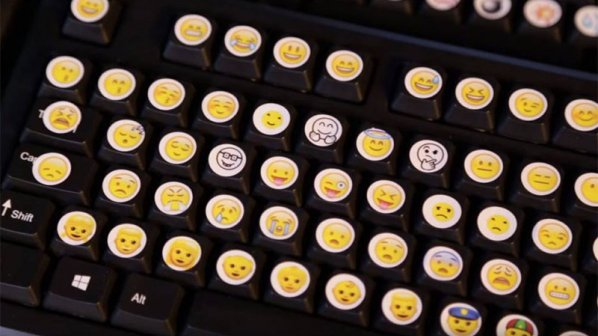 ویدیو: خداحافظ ورد؛ صفحهکلید واقعی emoji ساخته شد!