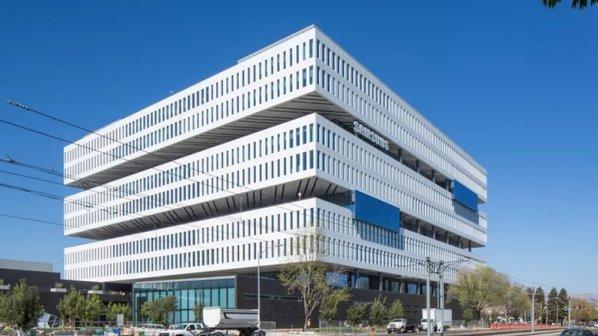 عکس و فیلم ساختمان جدید زیبا و عجیب سامسونگ در دره سیلیکون را ببینید!