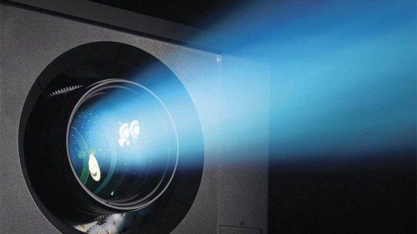 نور لیزر روی پرده نقرهای؛ بزرگترین انقلاب در صنعت سینما