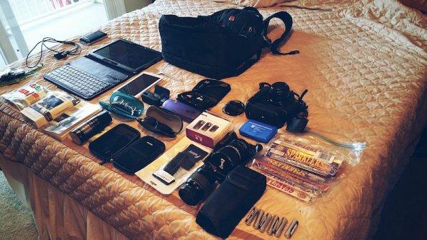 محتویات کیف یک معلم دبیرستان در عصر فناوری