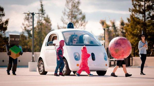 گوگل: لطفا کودکان خود را جلوی خودرانهای ما بیندازید!