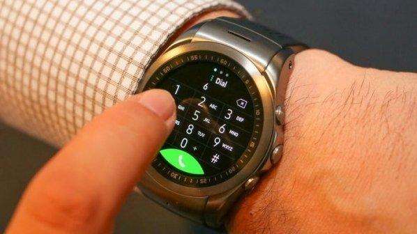 ساعت هوشمندی که میتواند به طور مستقل تماس تلفنی برقرار کند