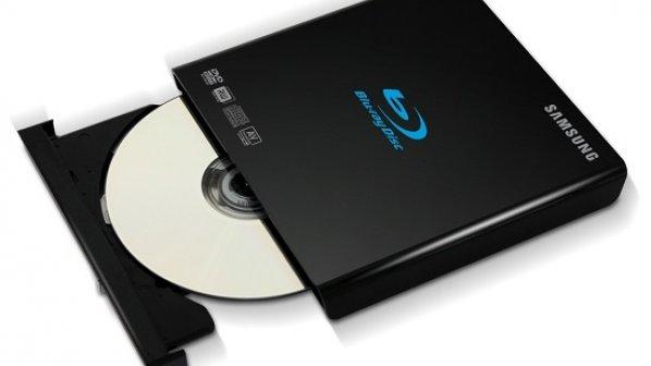 چگونه دیسک گیر کرده در دیسک نوری را خارج کنیم؟