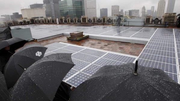 سلولهای خورشیدی که از قطرات باران برق تولید میکنند