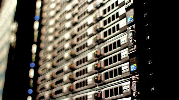 مراکز داده غرق در حافظههای NAND؛ بررسی انواع فناوری درایوهای جامد حرفهای مناسب سرور