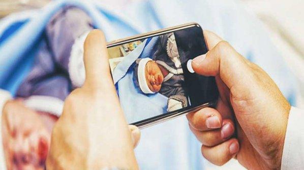 چرا مادران عکس فرزندشان را پشتسرهم در شبکههای اجتماعی میگذارند؟